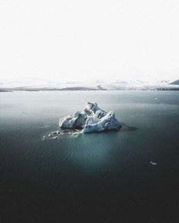 Jökulsárlón Glacier Lagoon   Hidden Iceland   Photo by Norris Niman