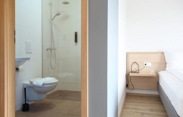 Lilja Guesthouse Bathroom | Hidden Iceland