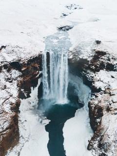 Skógafoss waterfall | Jökulsárlón Glacier Lagoon 2 day tour | Hidden Iceland | Photo by Brendan Bannister
