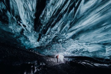 Ice Cave Discovery Tour | Hidden Iceland | Photo by Ömar Acar | Feature