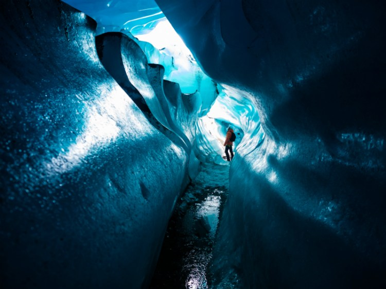 Ice cave on Svinafellsjökull 2016 | Ice Cave Tour | Hidden Iceland | Photo by Mark Hoey