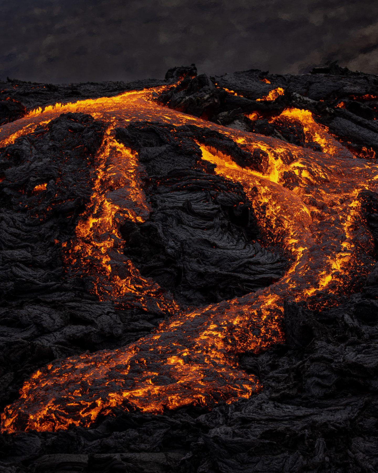 Volcanic eruption crater by Simon Svensson. Geldingadalsgos volcano.
