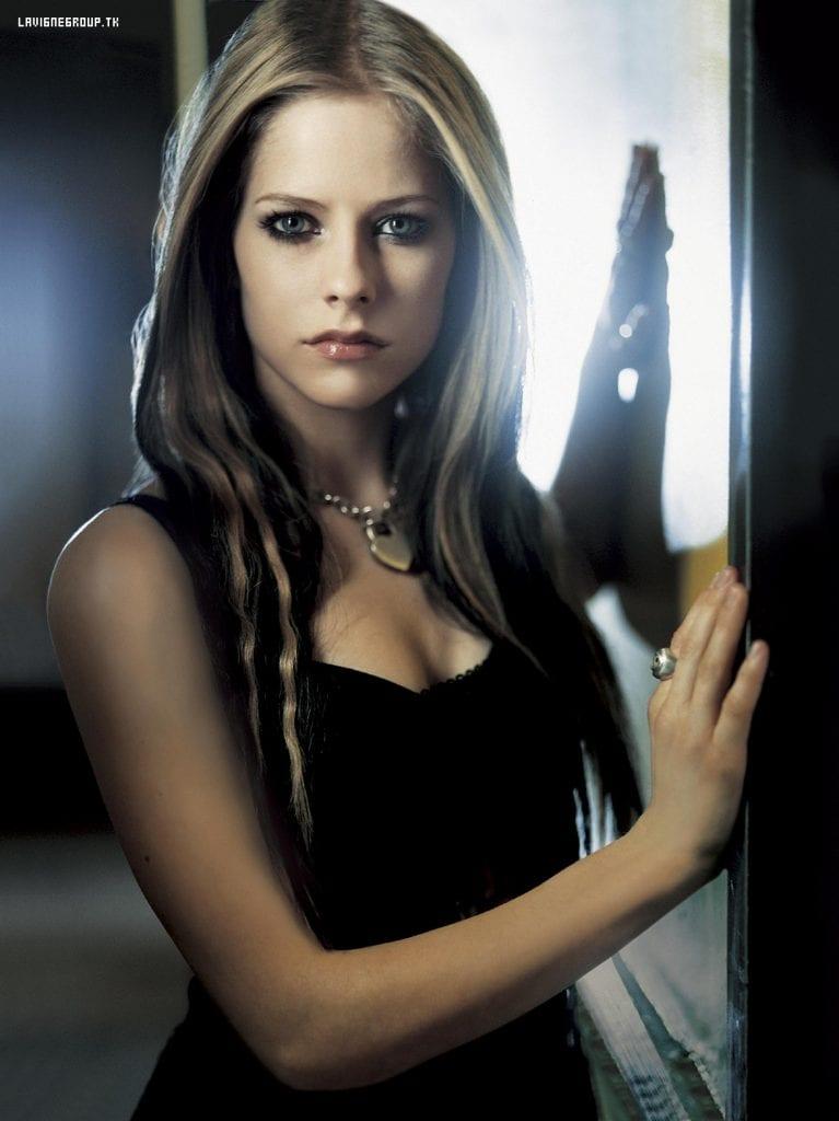 Avril Lavigne 2004 UMS