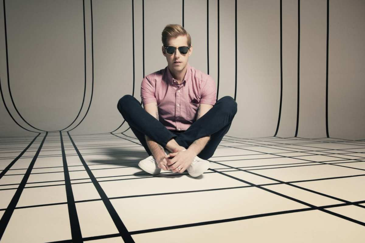 "Andrew McMahon Teams Up With Lindsey Stirling For ""Something Wild"""