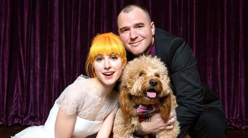 Hayley Williams Chad Gilbert married dog