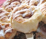 Soft and fluffy simple cinnamon buns from hiddenponies.com
