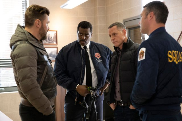 "ie 40794 - Chicago Crossover: Chicago Fire (S08E15) ""Off The Grid"" Chicago PD (S07E15) ""Burden The Truth"""