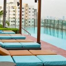 Infinity Pool auf einem Wolkenkratzer in Bangkok