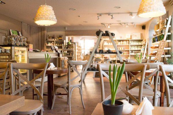 Cafe in Geschäft in Riga