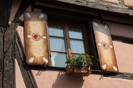 Lebkuchen-Fensterläden in Riquewihr