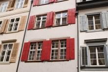 Fensterläden in der Basler Altstadt