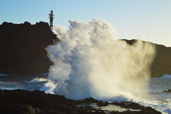 Wave at Puna de Teno Tenerife