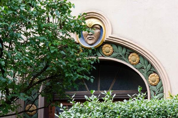 Art Nouveau Römerstrasse 15 door
