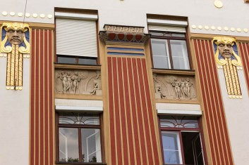 Art Nouveau Römerstrasse 15 with masks