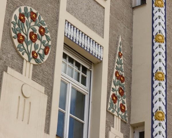Leopoldstrasse 77 Munich ornaments