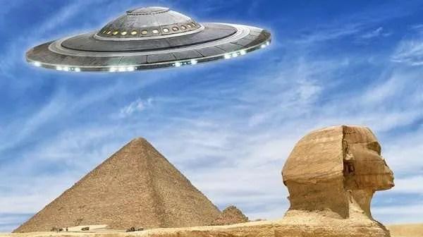 Сблъсква ли се Египет с извънземна инвазия или се потвърждава теорията за изграждането на пирамидите от извънземни?