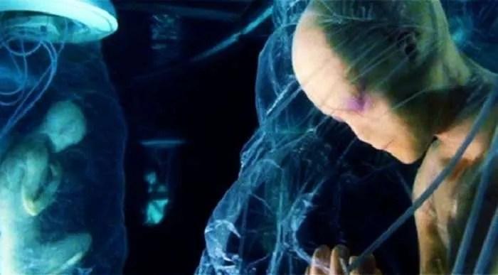 Бивш вътрешен човек на Илюминатите, споделя зловещи подробности (видео)