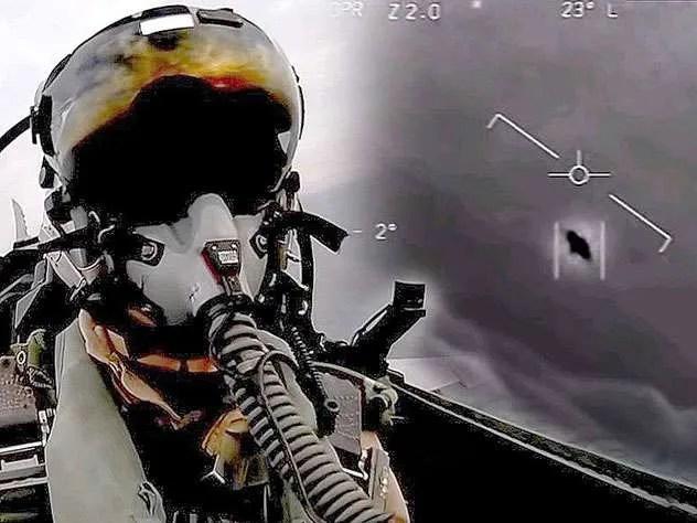 """Секретни подробности за срещата на американския флот с НЛО """" Тик Так """""""