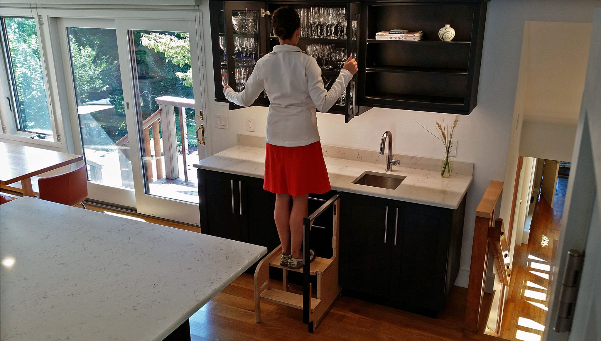 Pull Out Step Stool Vs Pull Down Cabinet