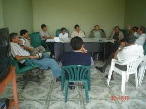 Reunidos en el local de la Junta de Usuarios de Nepeña, organizando el viaje a la parte alta de la cuenca.