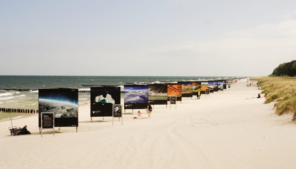 Fotoausstellung am Strand von Zingst