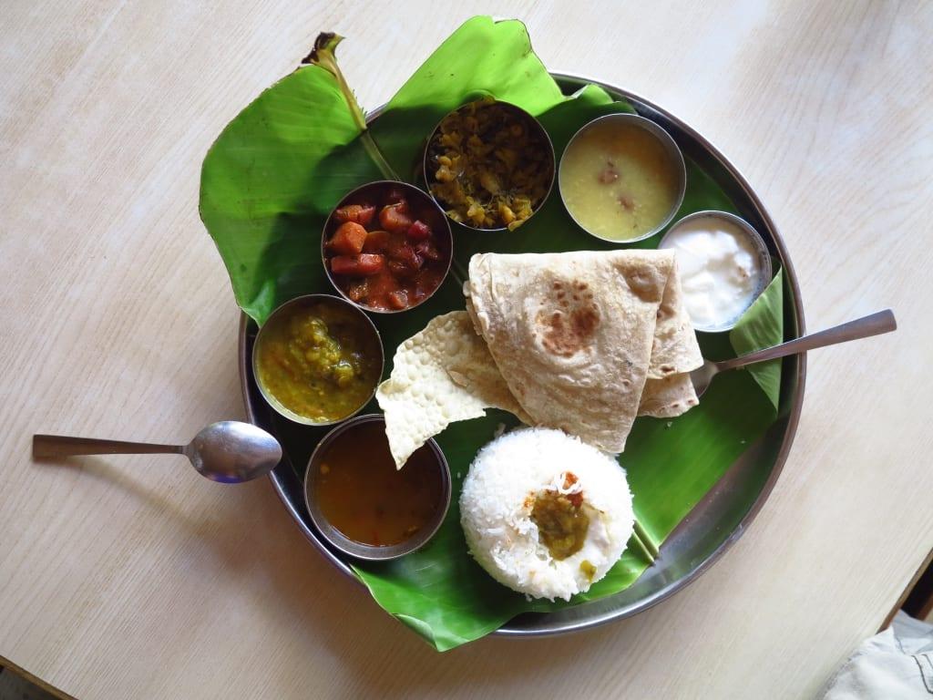 Vegetarisches Thali in Indien