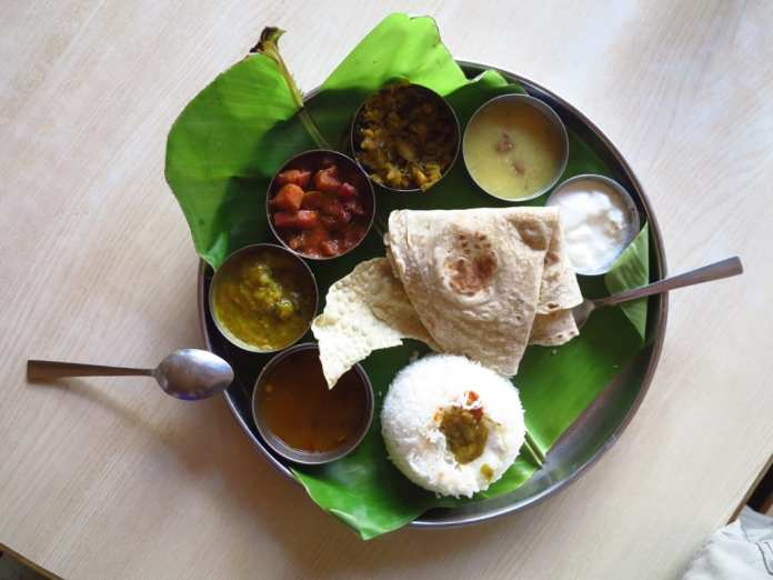 Vegetarisches Thali in Indien
