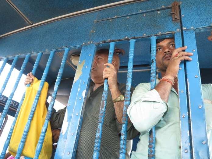 Unterwegs in einem indischen Bus