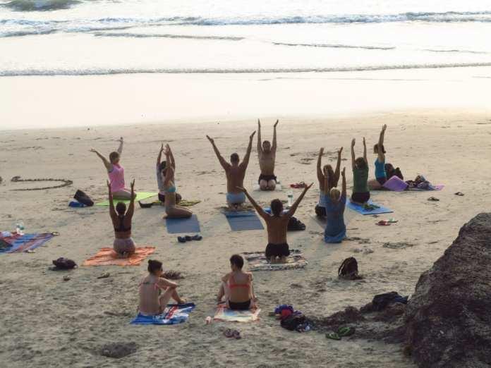 Yoga am Strand von Varkala