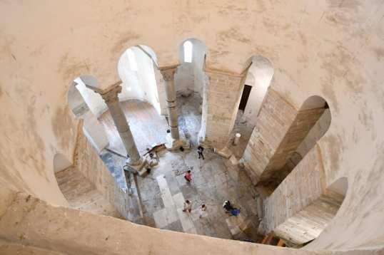 Die Kirche des Hl. Donatus von innen...