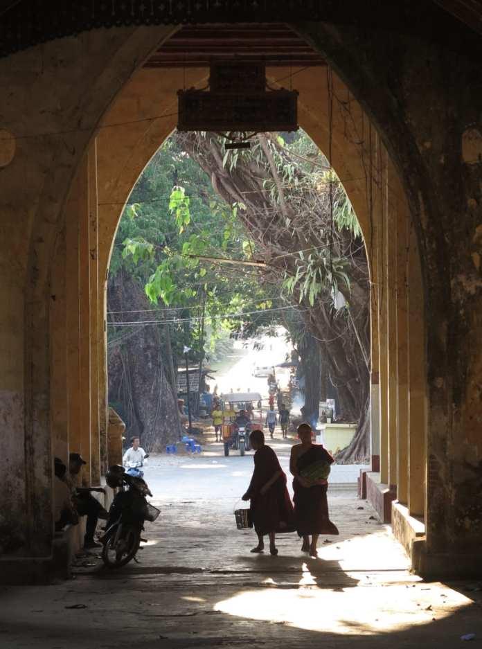 Kloster in Mawlamayaing in Myanmar