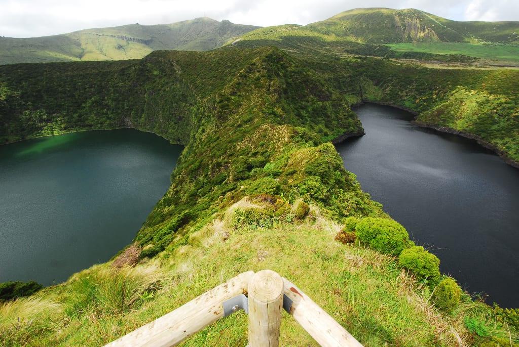 Kraterseen im Hochland von Flores