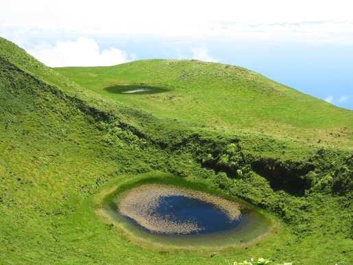 Kratersee im Hochland von Sao Jorge (Azoren)