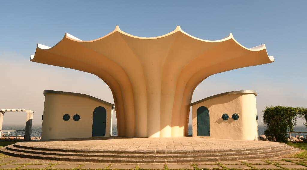 Futuristisches Gebäude auf Rügen