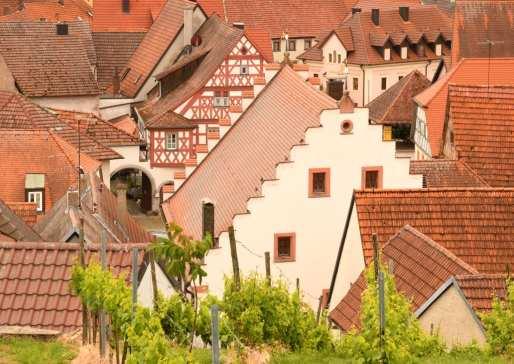 Blick auf Dorf mit viel Fachwerk