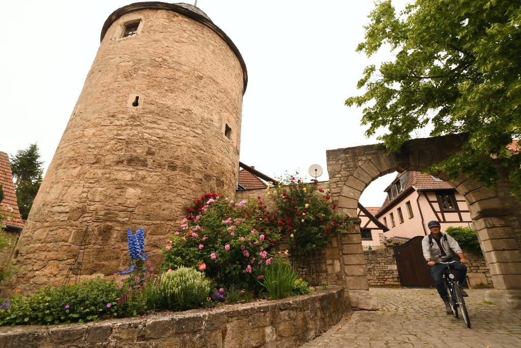 Dorf mit Turm