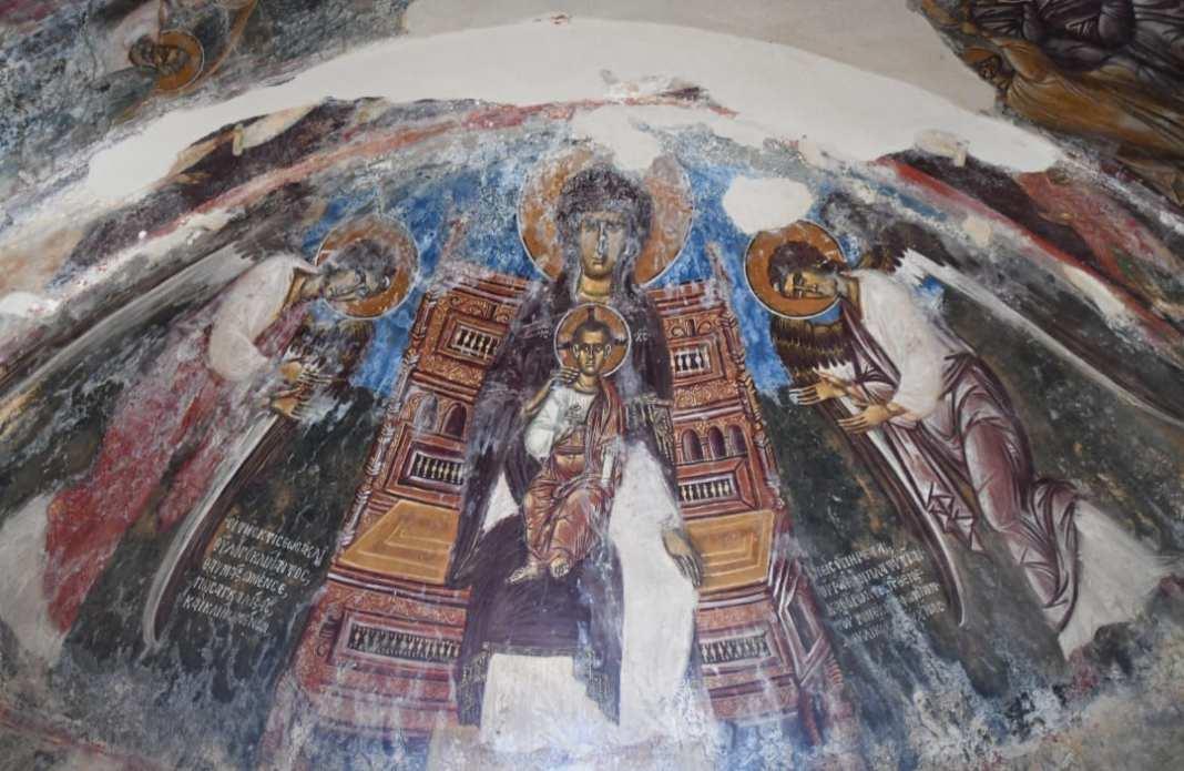 Gut erhaltene Freskendecke