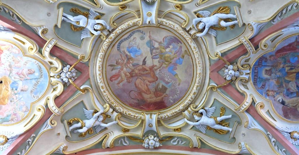 barockes Fresko mit Putten