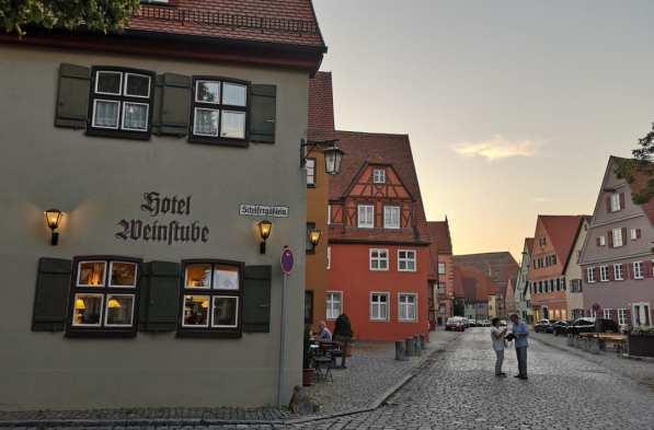 Historisches Gebäude mit Frakturschrift