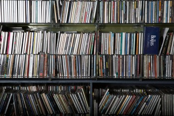 CD-Shelf