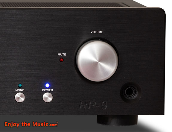 Rogue_Audio_RP9_Preamplifier_right_headp