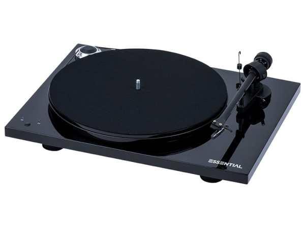 Pro-Ject Essential III RecordMaster è un giradischi nero