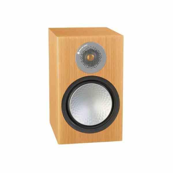 Monitor Audio Silver 100 6G è un diffusore da stand rovere naturale aperto