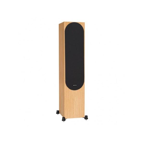 Monitor Audio Silver 500 6G è un diffusore da pavimento rovere naturale griglia
