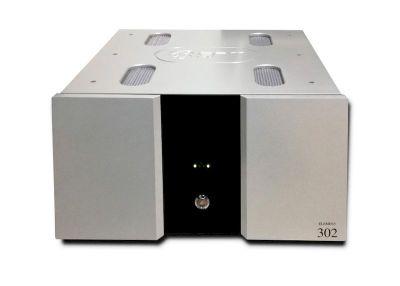 Eam Lab 302 è un amplificatore finale silver
