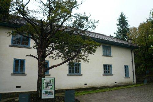 旧イギリス領事館の敷地内①