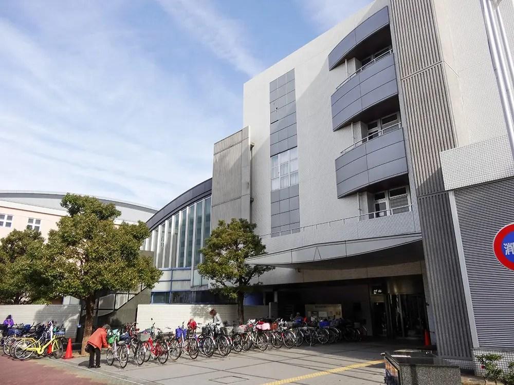 東淀川図書館プール区民会館