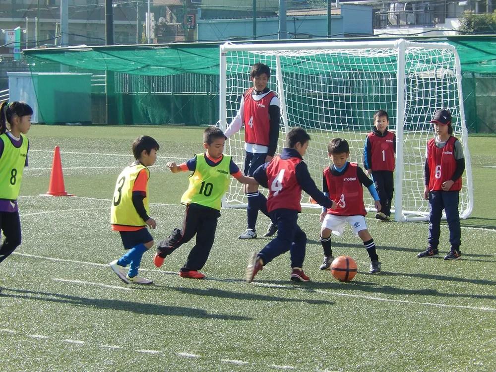 大経大教室サッカー