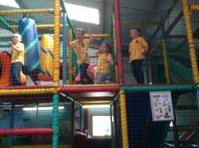 Reception visit Godstone Farm - June 2015[8]