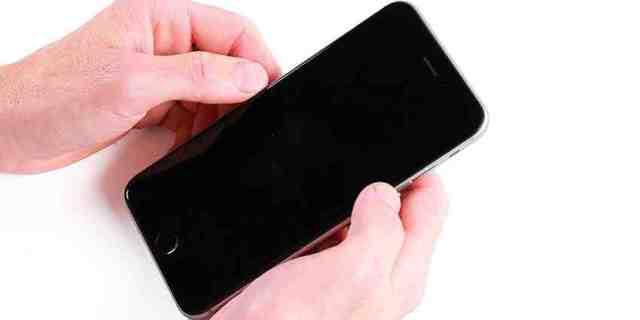 Comment réinitialiser un iPhone 5 sans le code ?